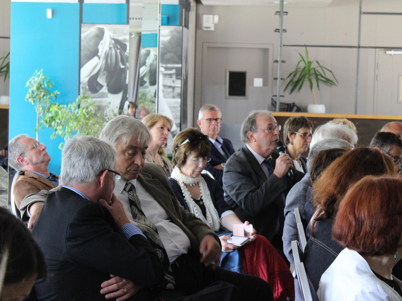 Réunion départementale au Pays de Fontainebleau, échange questions réponses entre Maires et le Président du Conseil Départementale. Ici Patrick Gruel, Maire de Chailly-en-Bière