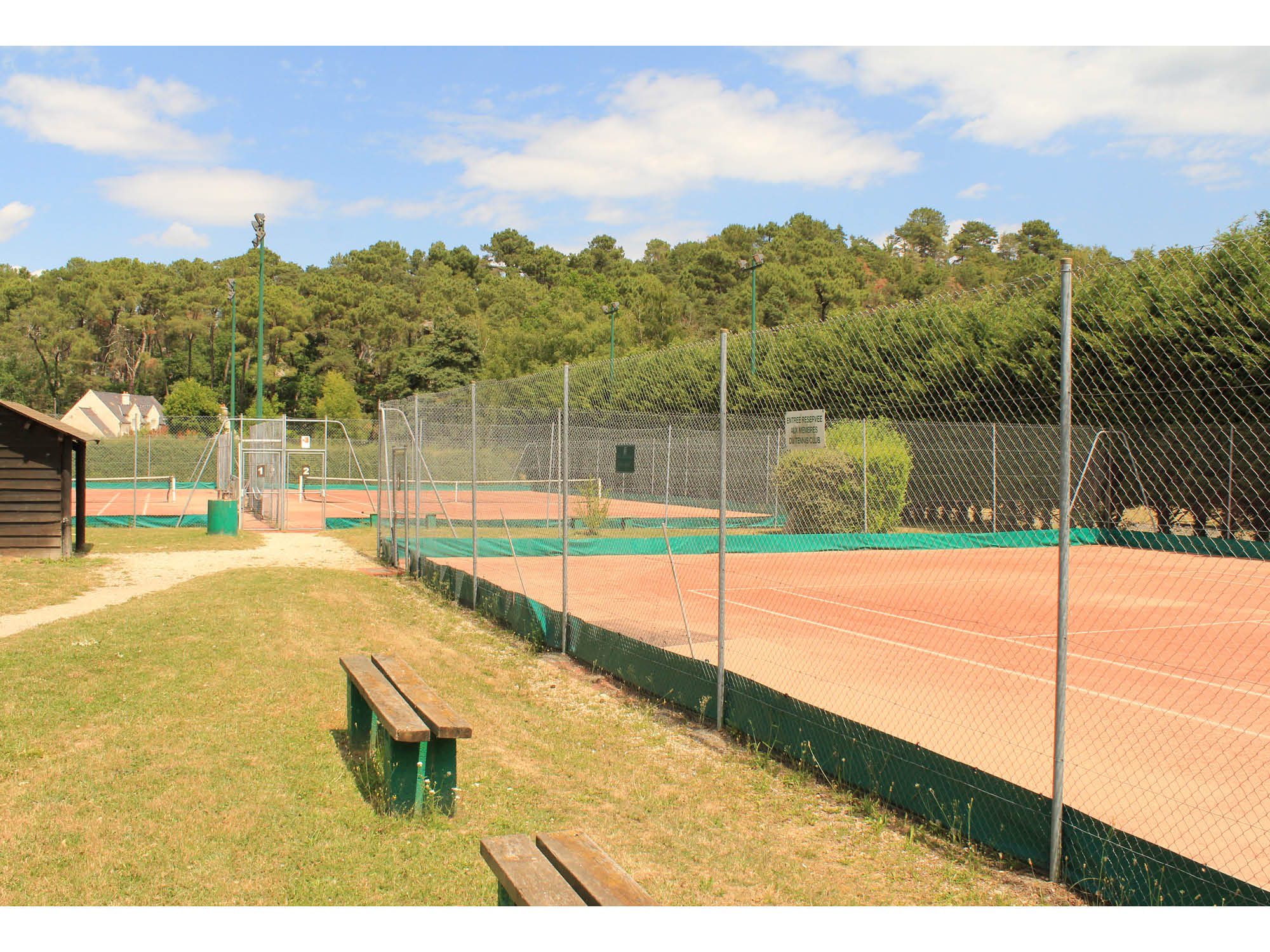 terrains de tennis au Vaudoué